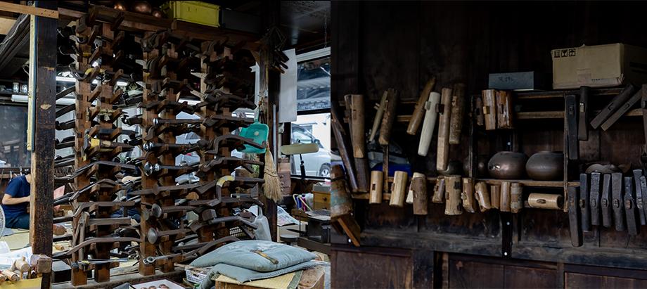 作品を縮めたり、丸めたりする時に使用する道具「写真左:鳥口(鉄棒)」と「写真右:金鎚」。職人たちは1つの作品をつくる過程で、工房に200種類以上ある鳥口と、300種類以上ある金鎚から数十種類を使い分けているというから驚く。