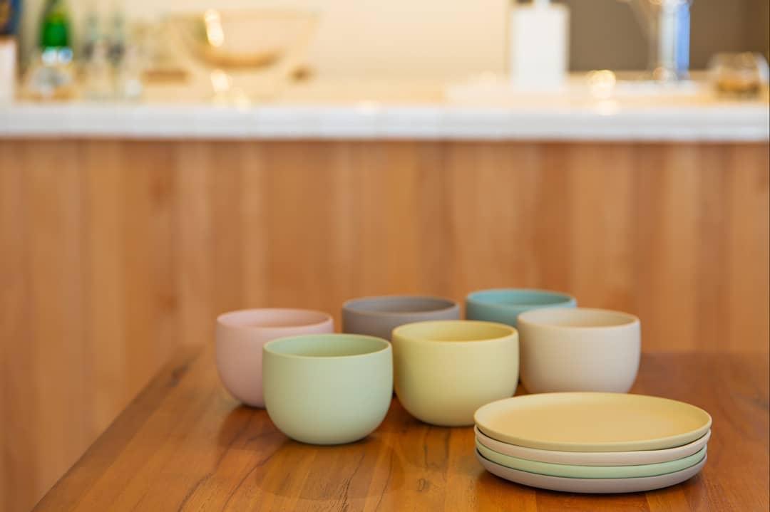 TOKONAMEシリーズ(現代の人の生活スタイルに合わせた茶器やお皿の常滑焼シリーズ)